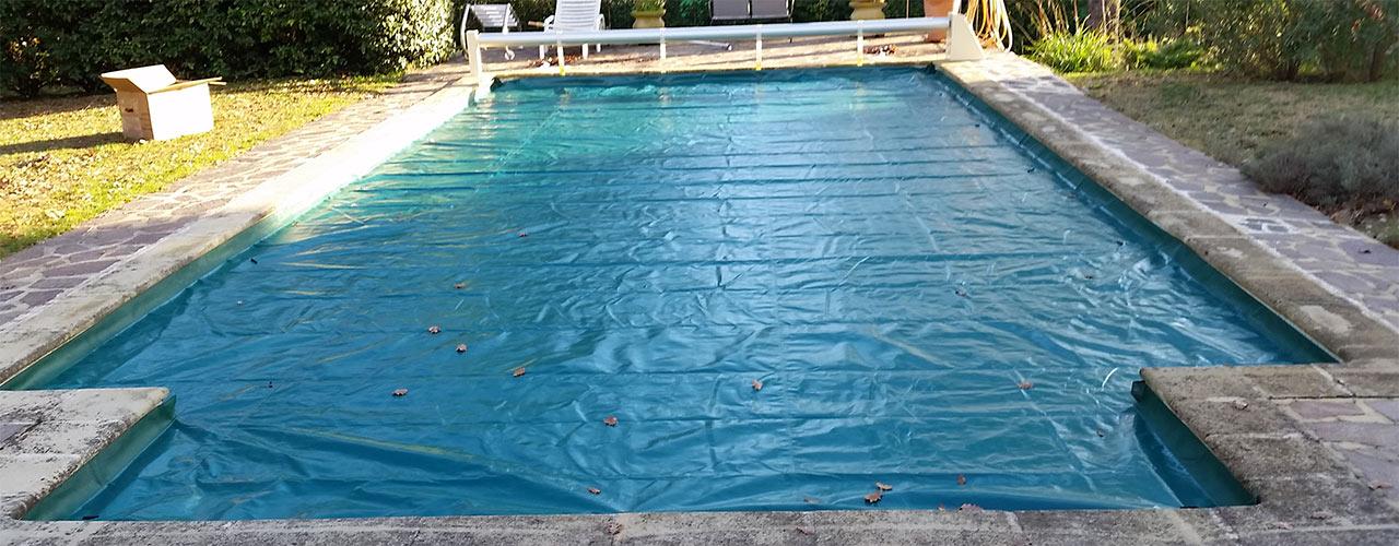 bâche de protection de volets de piscines
