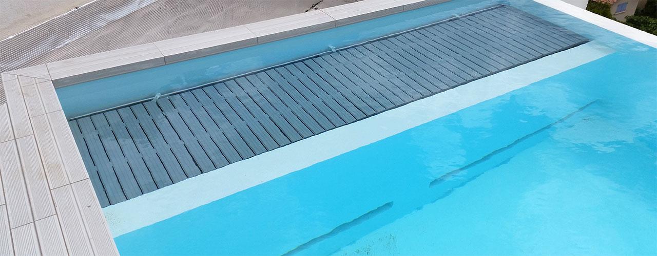 volet de piscine fond de de bassin